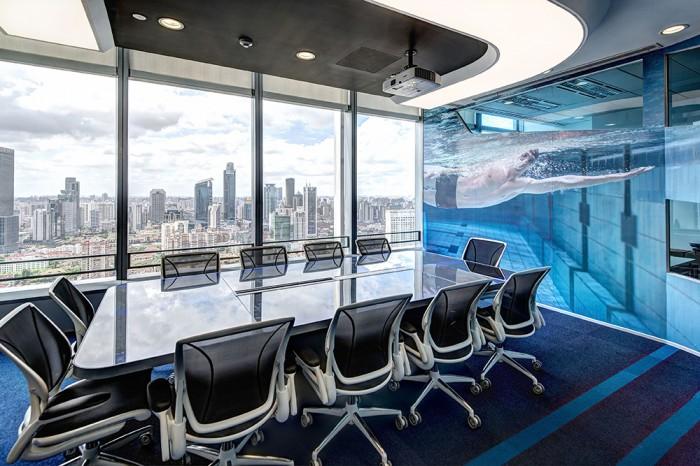 6-Water-Meeting-Room-700x466