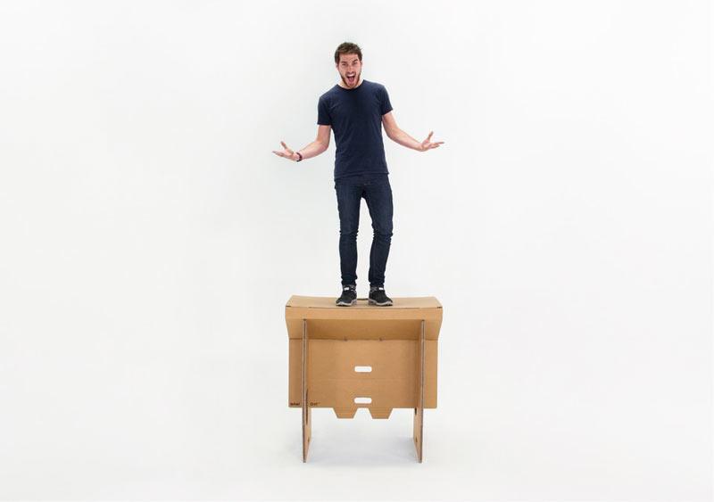 Refold_Portable-cardboard-desk-Matt-Innes-3