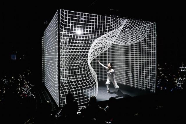 Interactive-Light-Installation-at-STRP-Biennale-hisheji (4)