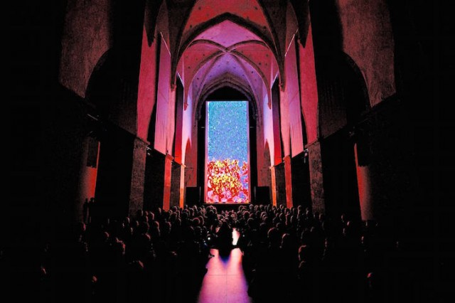 Interactive-Light-Installation-at-STRP-Biennale-hisheji (9)