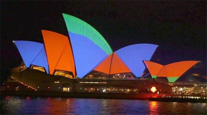 2015VIVID-Sydney-Opera-hisheji (2)
