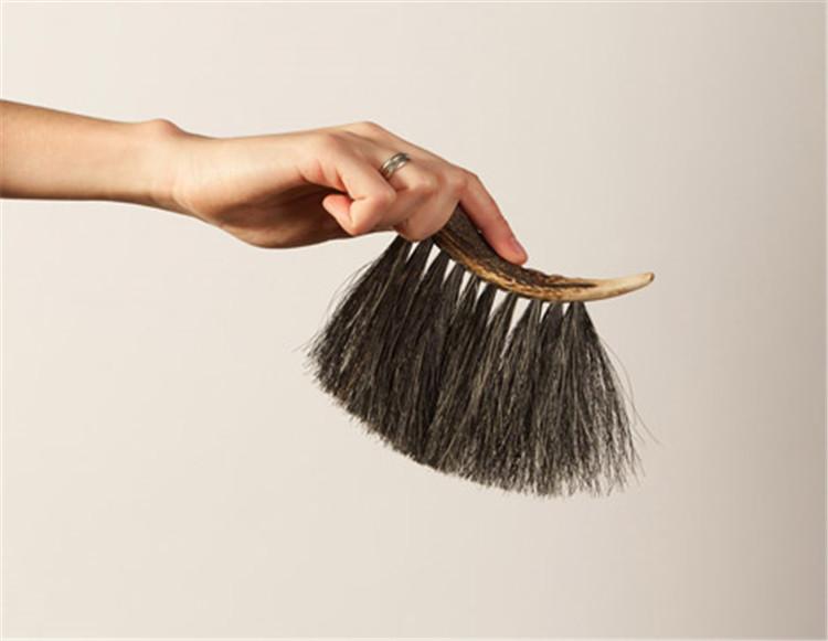 Ellie-Birkhead-brushes-hisheji (8)
