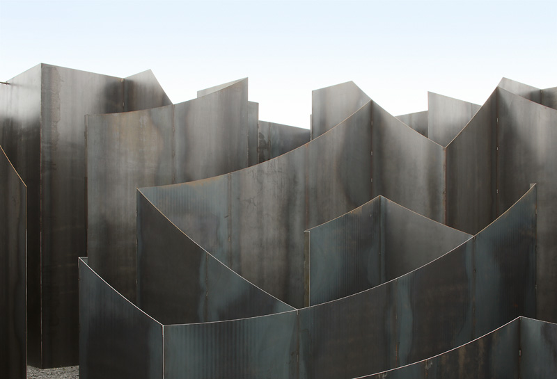 Gijs van Vaerenbergh-steel-labyrint-hisheji (10)