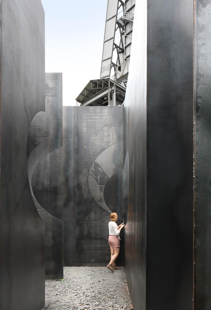 Gijs van Vaerenbergh-steel-labyrint-hisheji (7)