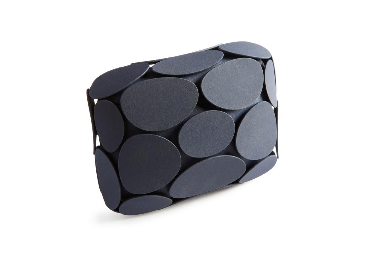 Odo-Fioravanti-Maison-203-Armure-clutch-hisheji (7)