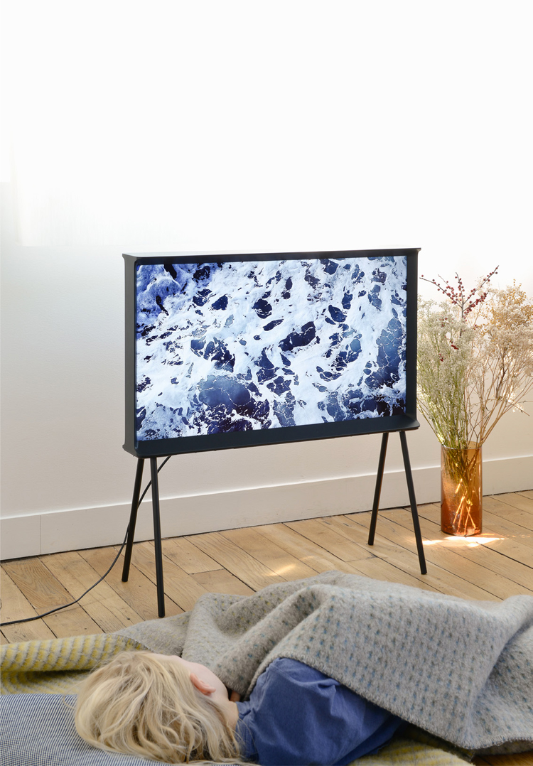 ronan-and-erwan-bouroullec-serif-tv-for-samsung-hisheji (9)