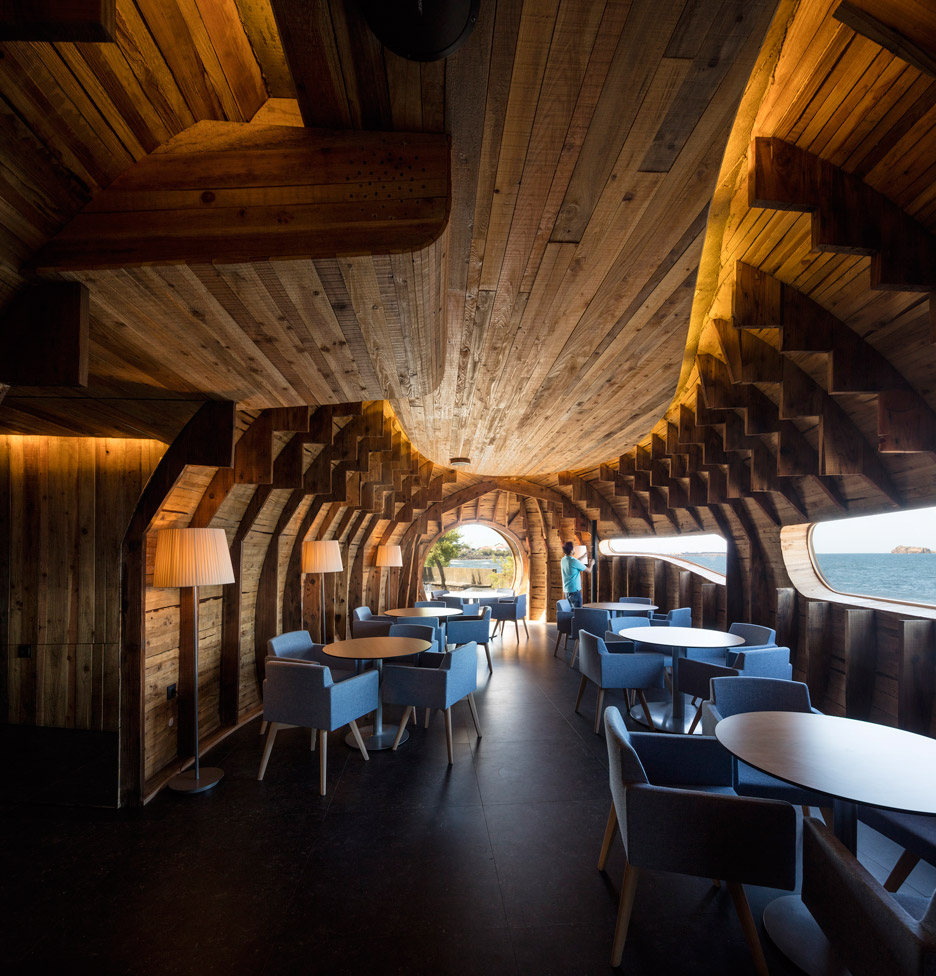 FCC-Arquitectura-Paul-Lobo-Cella-Bar-hisheji (18)