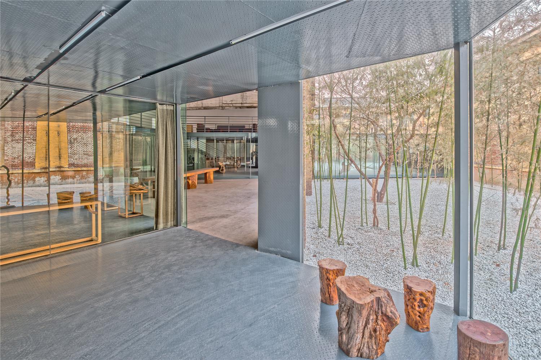 Qigreatwall-art-gallery-corridor-interior-hisheji