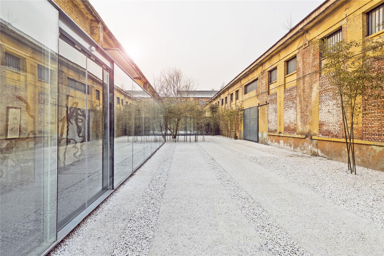 Qigreatwall-art-gallery-courtyard-hisheji (1)