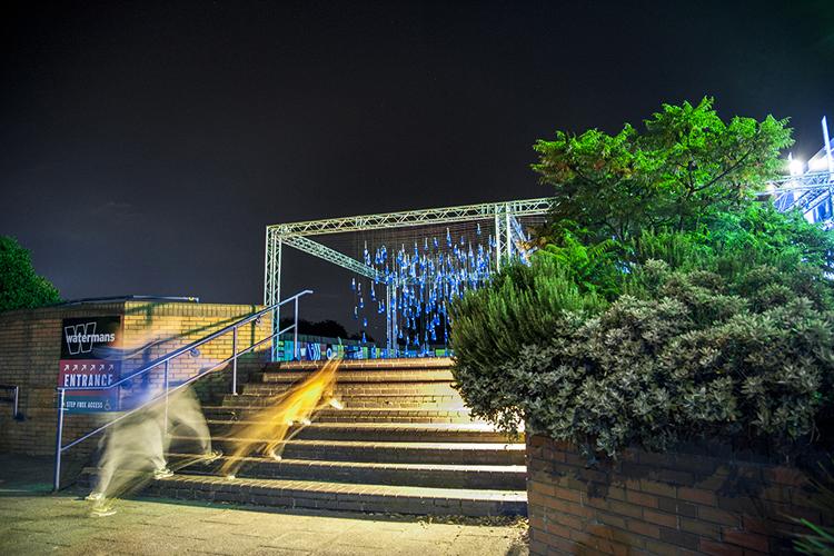 Luz-Interruptus-Rain-Interactive-installation-hisheji (21)