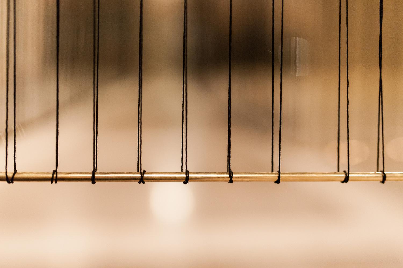 presledek-black-thread-on-brass-hisheji (7)