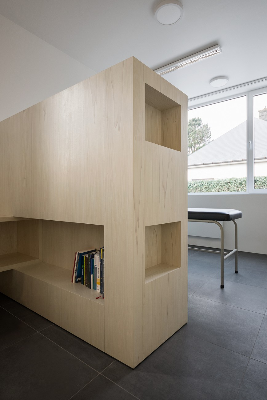 023-Medical-practice-De-Schuyter-by-Joshua-Florquin-Architect