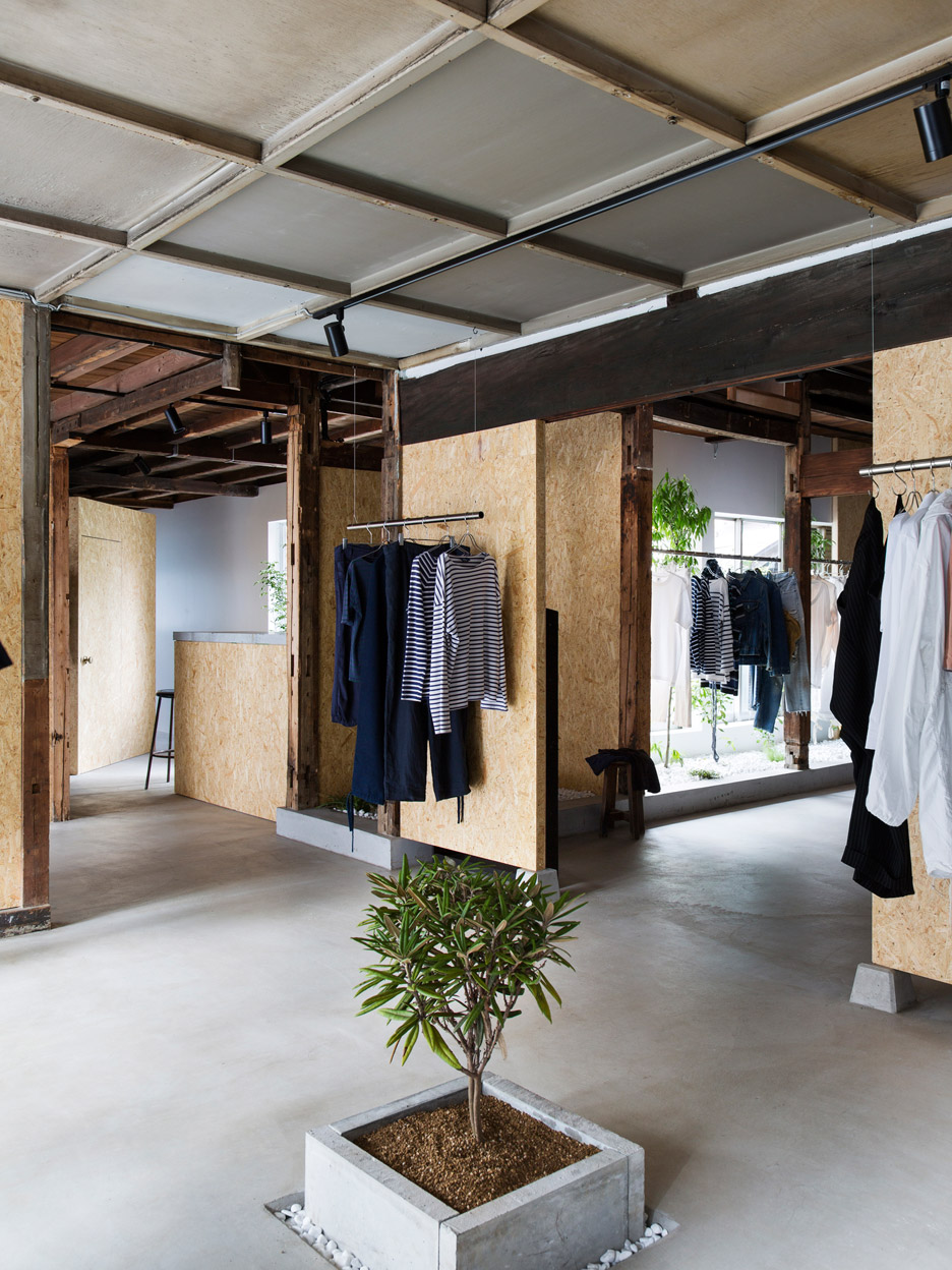 bankara-vintage-clothing-store-manabu-okano_dezeen_936_1-1