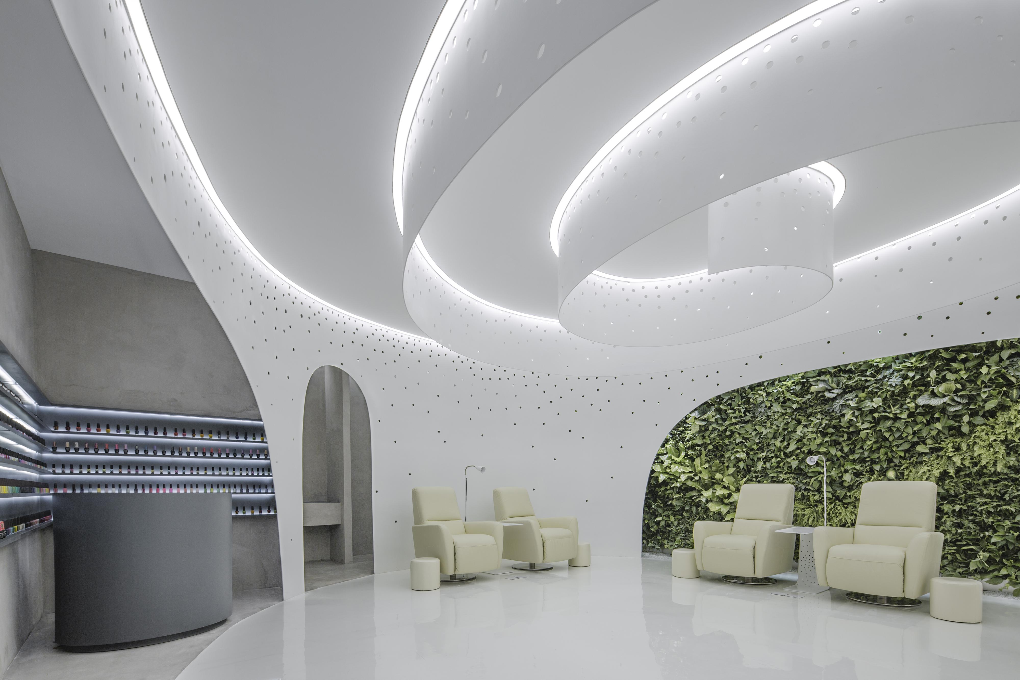 004 Interior  (2)