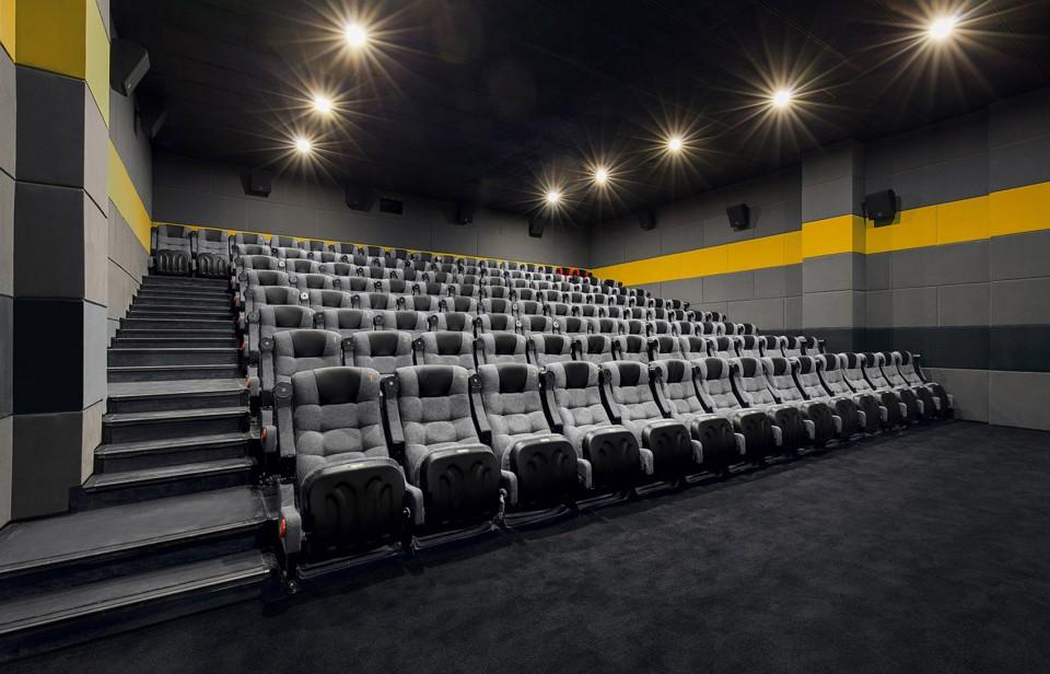 015-Cinema-of-Vitality-in-Yellow-Origami-Baichuan-International-Cinema-By-UM-DESIGN-960x616