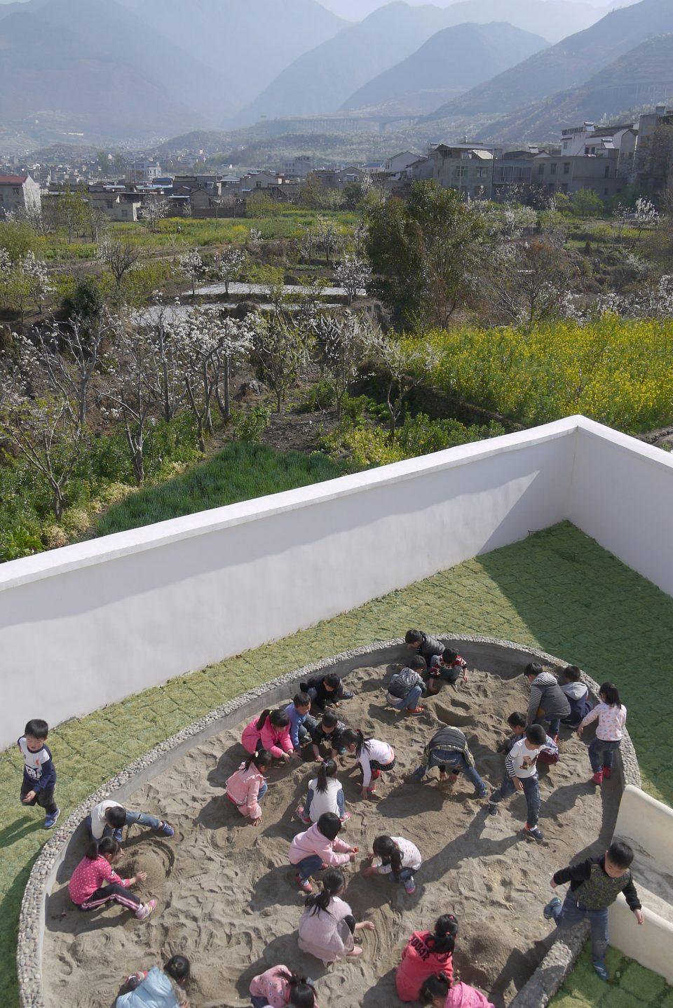 004-Jixian-Kindergarten-960x1437