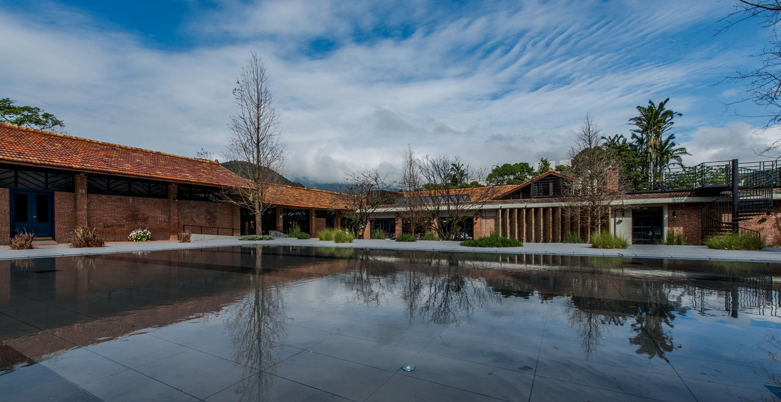Landscape_and_pool_(4)