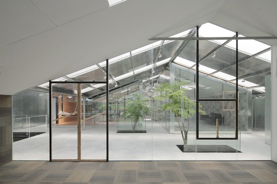 007-Work-studio-in-a-Plant-house-By-O-office-Architects-960x640