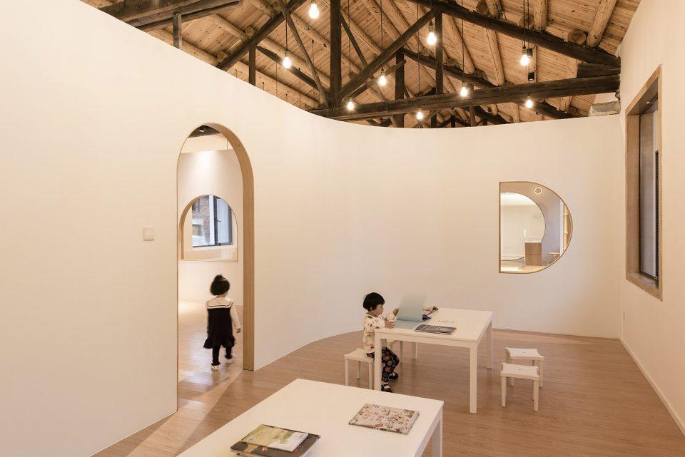 28ewborn-of-Two-Old-Factory-Buildings-By-FON-STUDIO--960x641