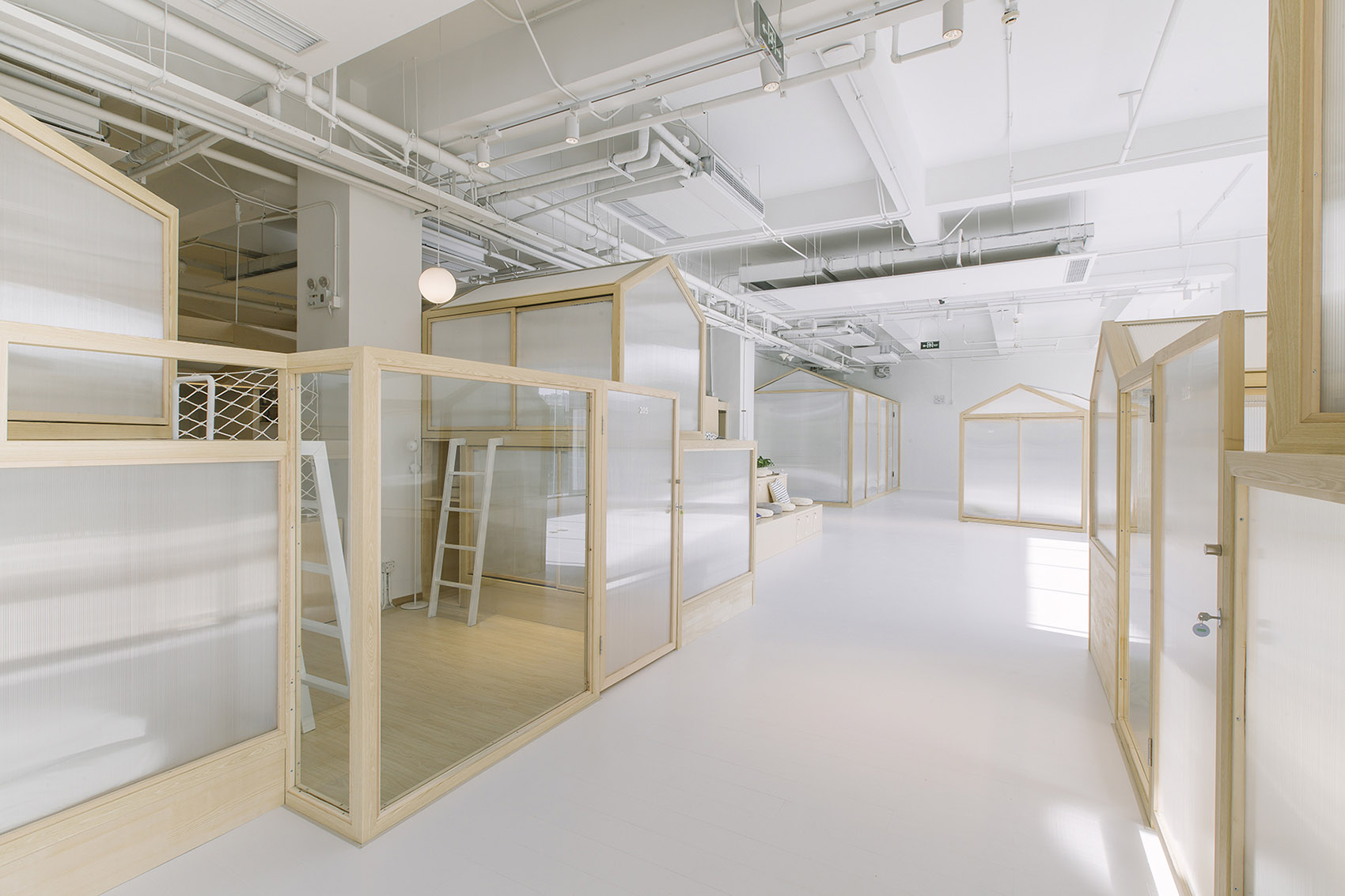 9-Together-Hostel-indoor-camping-space-for-youth-By-Jacobsen-Arquitetura