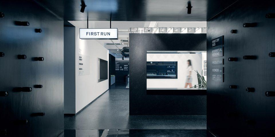 002-First-Cry-Film-Office-By-RIGI-Design-960x480