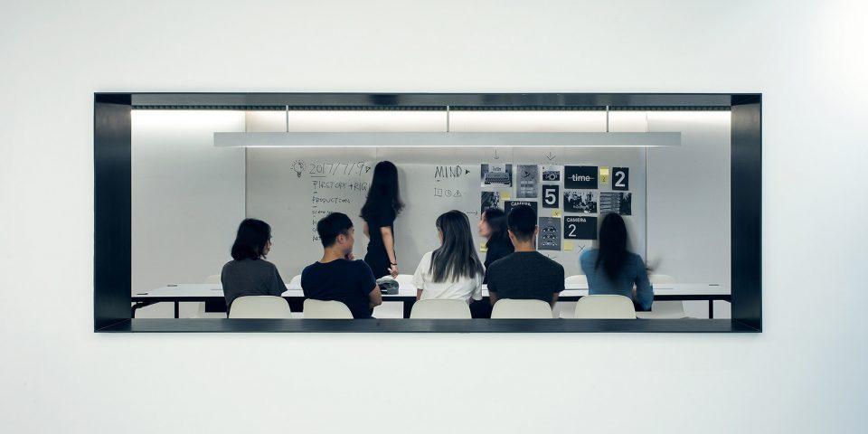 007-First-Cry-Film-Office-By-RIGI-Design-960x480