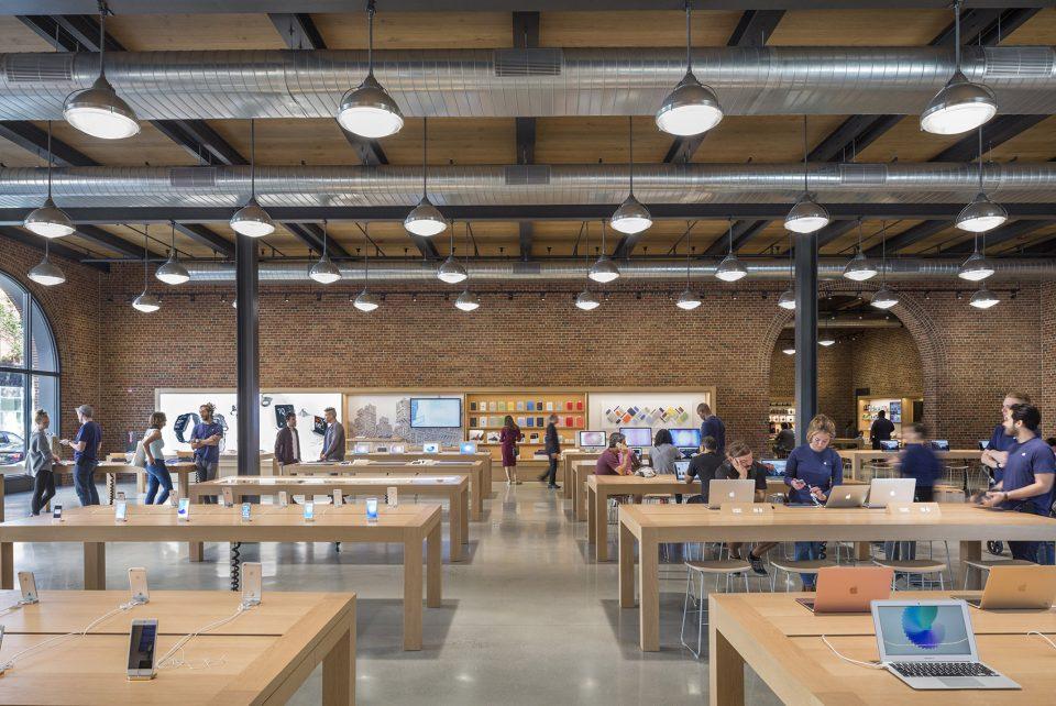 18-Apple-Store-Williamsburg-By-Bohlin-Cywinski-Jackson-960x642