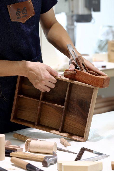 wood-working-03_dot-make-popup-store_dot-architects-1-472x708