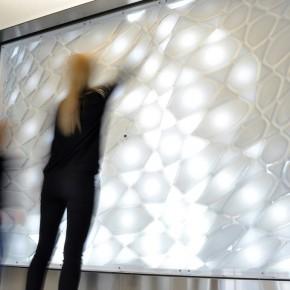 互动灯光设计:时间触突