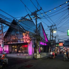 泰国街头的这间酒吧既现代又传统