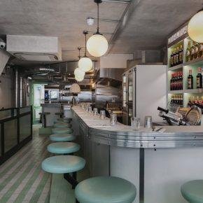 一家向熟食店致敬的朴素餐厅