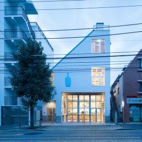 将电器厂改造成咖啡店和办公室,这家蓝瓶咖啡有点不一样!